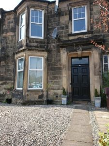 Robert The Bruce Apartment Front Exterior